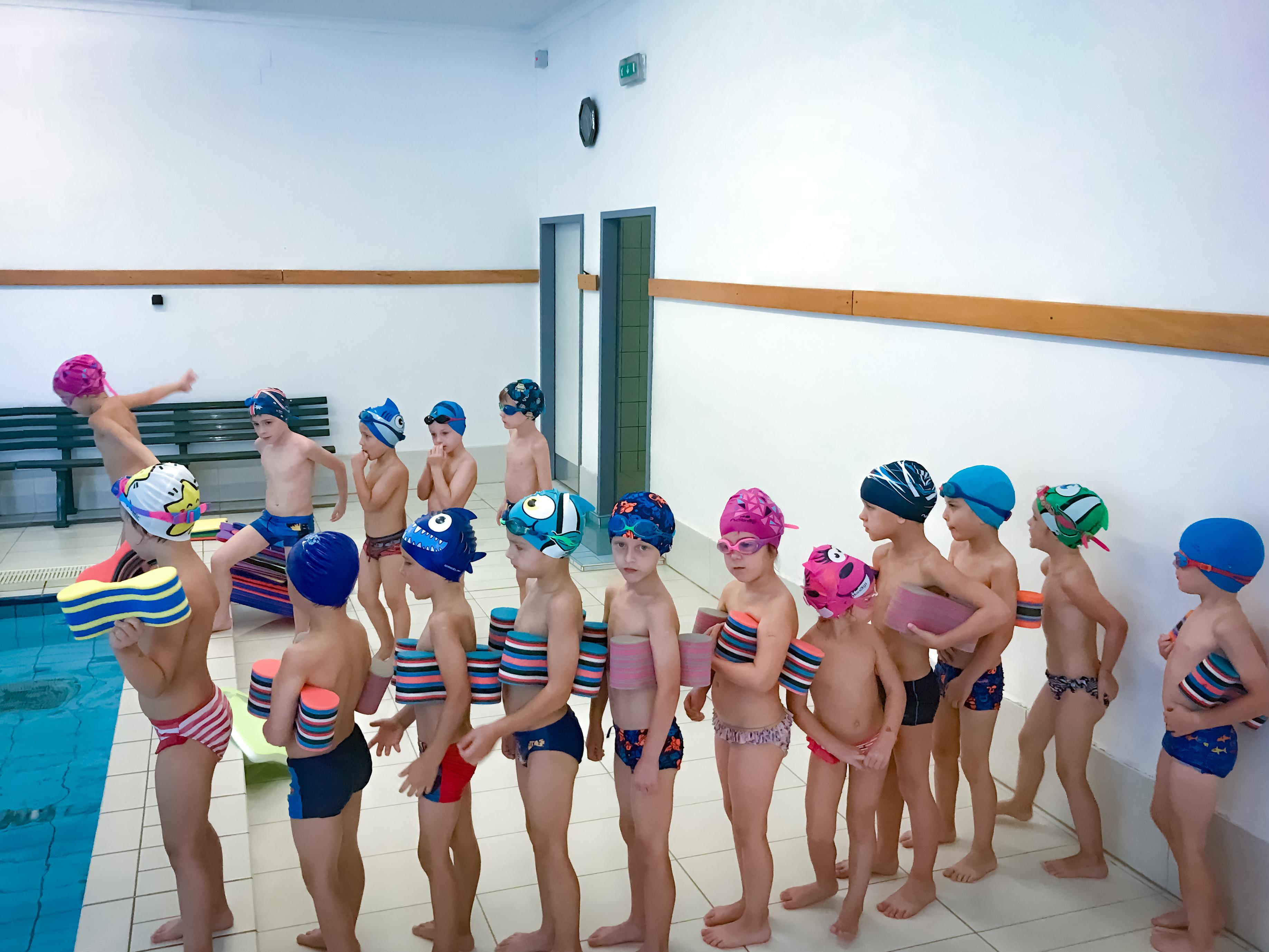 Úszás a Hétszínvirág Magánóvodában
